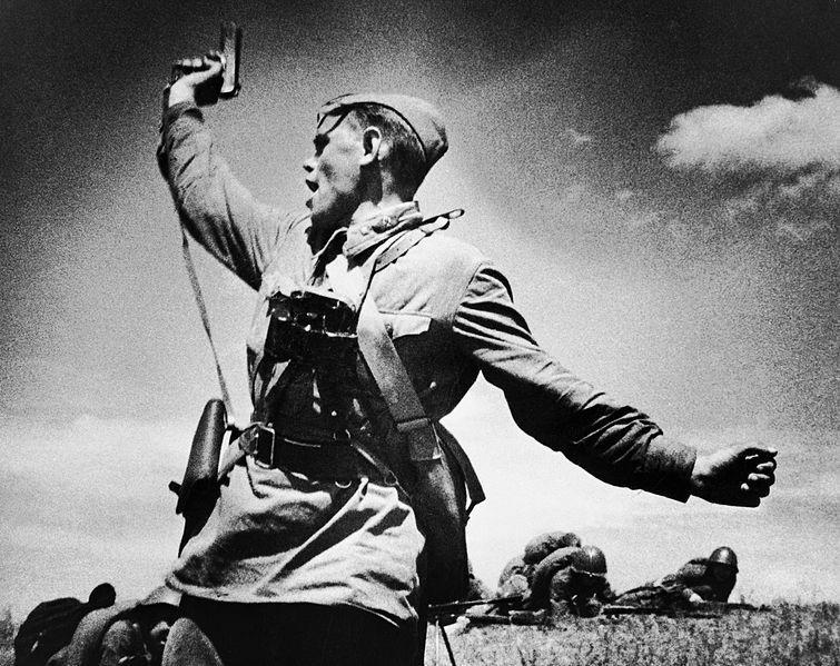 Трогательные снимки страшной войны