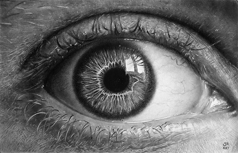 Углем и графитом он рисует эти фотореалистичные портреты